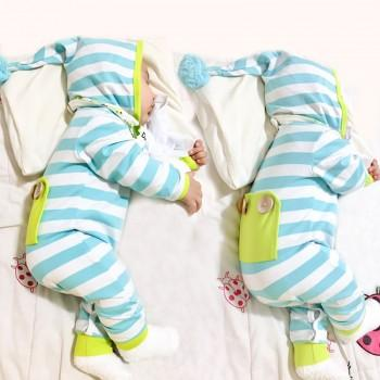 Stylish Striped Hooded Long-sleeve Jumpsuit for Babies