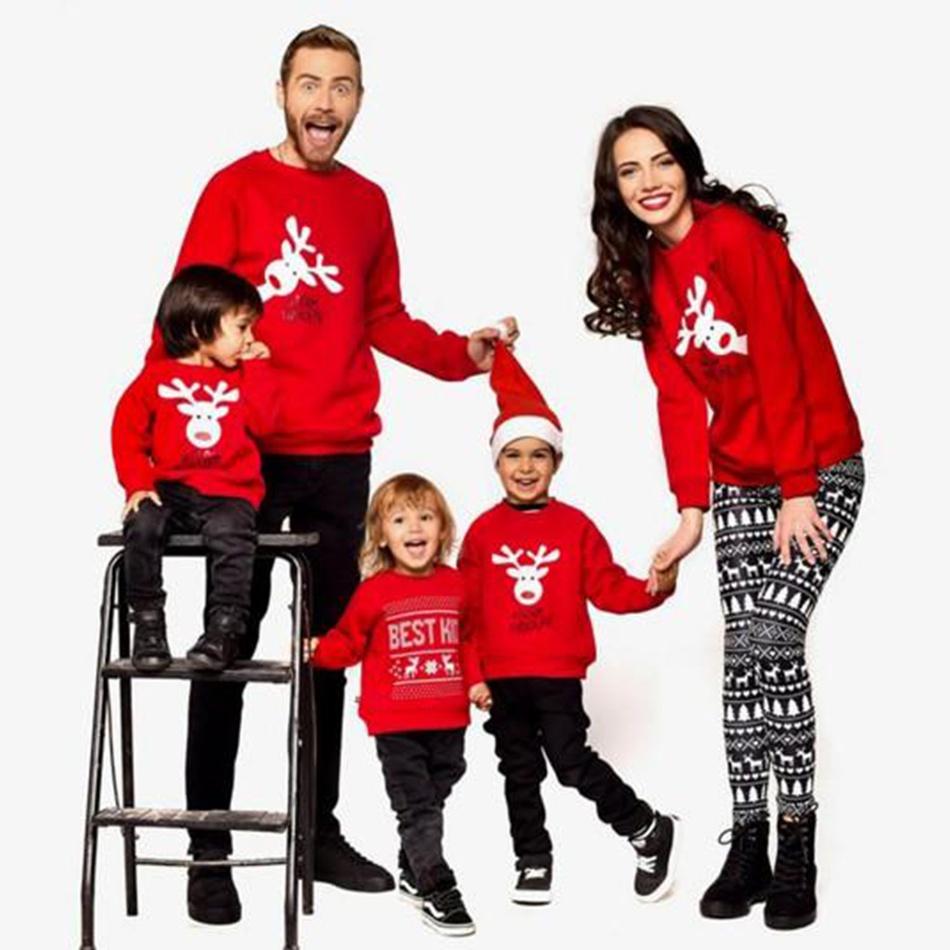 12f3836ba6441 curieux famille motif cerf sweat noël at PatPat.com