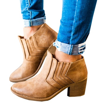 Fashionable Mid-heeled Ankle Boots