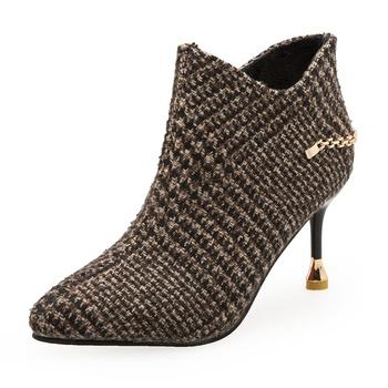 Fashionable Plaid Metal Decor Ankle Boots