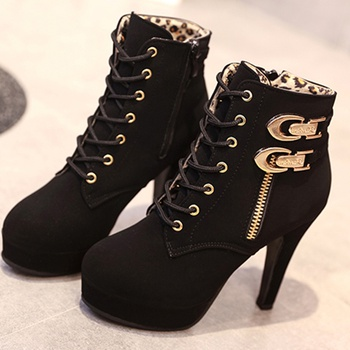 Fashionable Buckle Decor Lace-up Boots