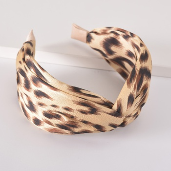 Chic Leopard Print Hairband