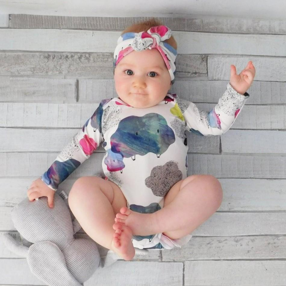 b04f0e392 Sassy Cloud Patterned Long-sleeve Romper and Headband Set for Baby Girl