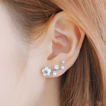 Pretty Flower Shaped Earrings