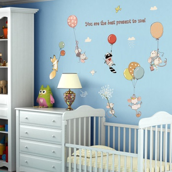 Flying Animals With Balloon Wall Decor