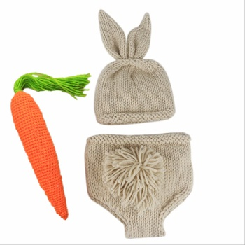 Rabbit Design Baby Photography Props Weaving Carrot Hat and Diaper Set
