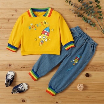 2-piece Baby / Toddler Boy Rocket Stars Letter Rainbow Print Top and Jeans Set