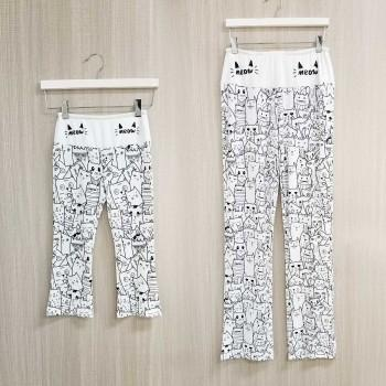 Mommy and Me Lovely Meow Printed Cotton Yoga Pants in White