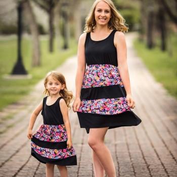 Sleeveless Flower Stripes Knee-length Dress