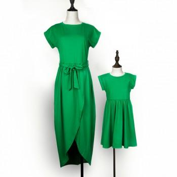 Mommy and Me Trendy Short-sleeve Knee Dress in Green