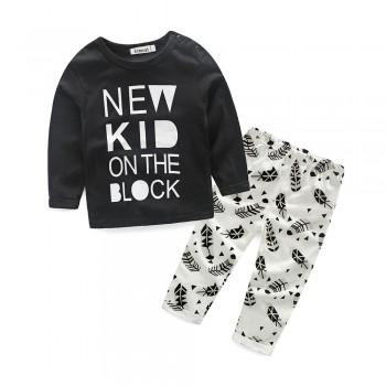 2-piece Cool Letter Print Top and Geo Pattern Pants for Baby Boy