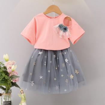 2-piece Beautiful Floral Decor Tee and Sequin Star Applique Tulle Skirt for Girls