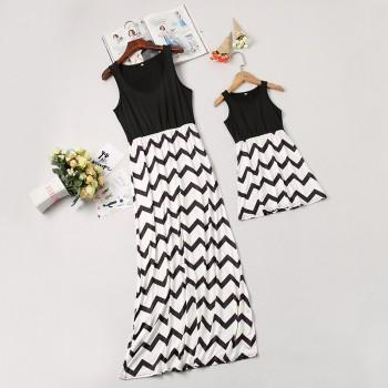 Mom and Me Trendy Sleeveless Wave Striped Dress in Black