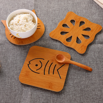 5-piece Hollow Out Anti-slip Heat Resistance Wooden Table Mat
