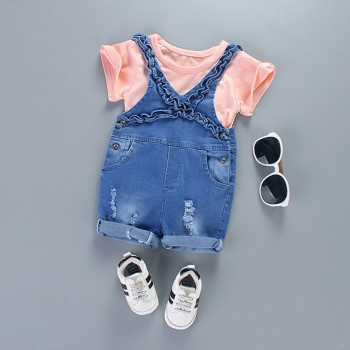 Fashionable Short-sleeve Tee and Flounced Frayed Suspender Denim Shorts Set for Baby and Toddler Girl